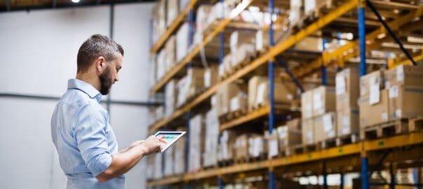 Should a Manufacturer Hire an Online Marketer?